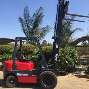 2.5 ton Tailift FD25 forklift (1)